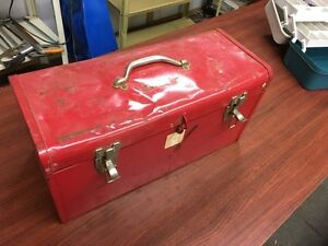 Metal toolbox with tools Kitchener / Waterloo Kitchener Area image 1