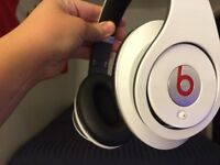 Beats Studio White 1st gen