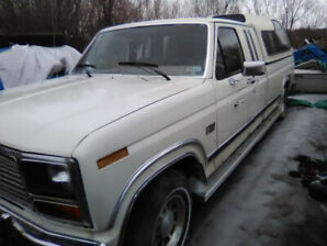 1985 ford F-150 Lariat pick up