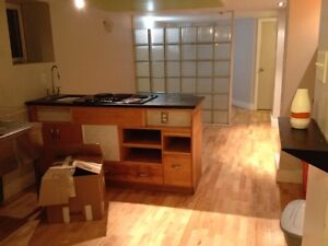 Great north end bachelor available June 1st