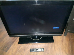 "LG 37"" LCD HDTV TV 720p with remote.  5 mins to turn on"
