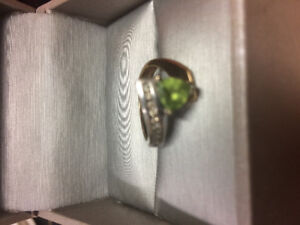 White and yellow gold size 5 ring