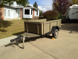 Utility Trailer - 4' X 8' - Solid, easy towing trailer