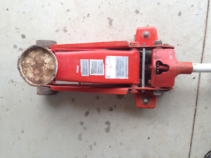 Automotive Floor Jack Mastercraft 2.5 tons