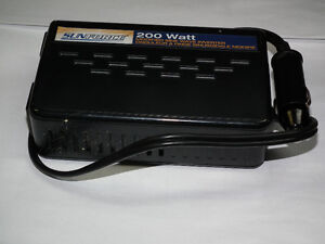 200 WATT INVERTER  12 VOLT TO 120 VOLT WITH PLUG . Windsor Region Ontario image 5