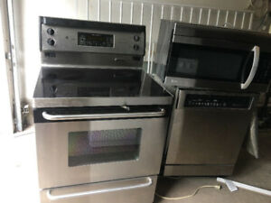 """GE stainless steel 30"""" freestanding electric glass ceramic stove"""
