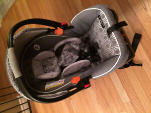 Graco car seat and base ($40) Clic it universal stroller ($35)