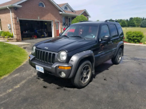 JEEP LIBERTY 4 DOOR!!