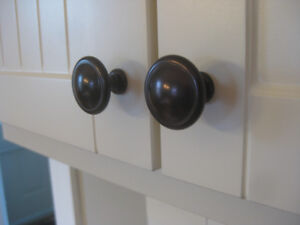Drawer Knobs and Pulls
