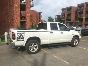 2007 Dodge Power Ram 1500 Mega cab slt Camionnette