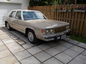 Ford crown victoria buy or sell classic cars in canada kijiji crown victoria full quipement avec seulement 100 474 km sciox Gallery