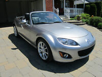 2010 Mazda MX-5 GT toit dure Cabriolet  11,900 KM