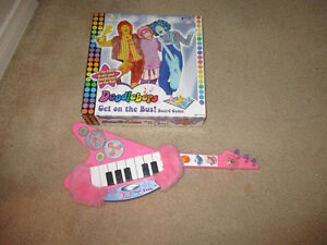 Doddle Bops guitar and game