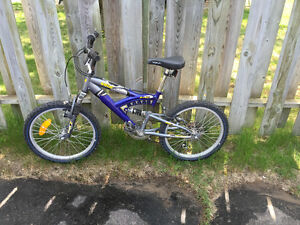 RALEIGH VOID YOUTH MOUNTAIN BIKE