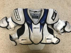 Men's hockey shoulder pads
