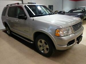 2005 Ford Explorer Limited V8 AWD Low Km Heated Leather Safetied