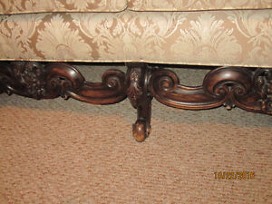 Antique Couch Cornwall Ontario image 2