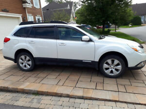 Subaru Outback 2012 blanche, plusieurs extras, Mécanique A1 2019