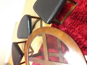 Coffee round table with 4 ottoman chairs