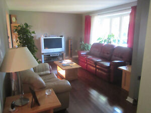Room in house for rent located in Whitehills area