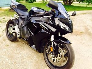 2006 Honda CBR1000RR in immaculate condition!