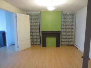 BEAUTIFUL LARGE 2 BEDROOM APARTMENT SOUTH END CENTRAL HALIFAX