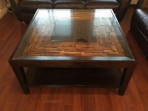 "42"" X 42"" coffee table only 7-8 months old"