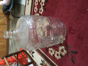 Glass carboy for making wine or beer