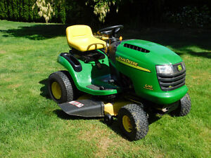 D110 John Deere Riding lawnmower
