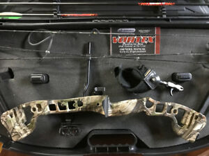 Barnett Youth Vortex Compound Bow Package + Plano Case