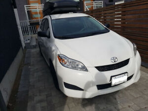 2013 Toyota Matrix w/ top rack and cargo