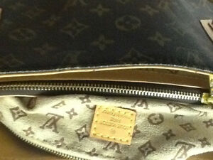 Games:Chess(onyx, wood, glass)t, Vuitton bag, large watch Kitchener / Waterloo Kitchener Area image 8