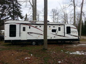 Forest River Nitro XLR 30 Toy Hauler