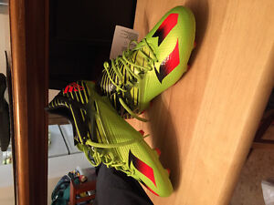 Size 10 messi adidas soccer cleats brandnew!!