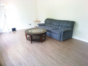 3 bedrooms available ground floor (Working orStudents) as group
