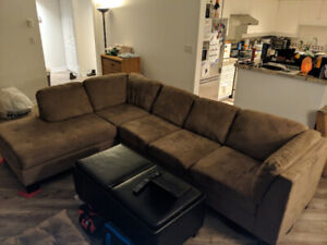 Sectional Couch (Left Facing, Sand Color)