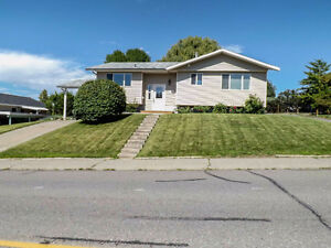 Well Maintained Family Home in Great Sahali Location