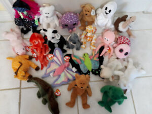 21 Beanie Babies and Boos- Many Retired!  LOOK!
