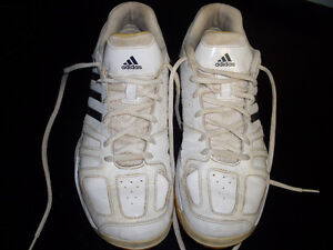 Womens ADIDAS Runners Size 9 1/2