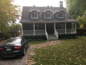 Maison ancestrale à vendre - Vaudreuil-sur-le-lac