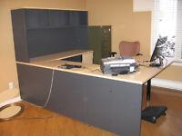 Meuble de bureau en U