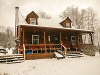 WINTER WONDERLAND! 10 acre Private Cottage near Holiday ValleY!