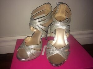 Taxi Prom Shoes - Size 7  London Ontario image 1