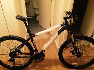 BRAND NEW Jamis Komdo Comp 2015 Mountain Bike