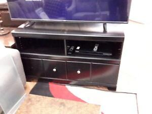 *** USED *** ASHLEY SHAY CREDENZA   S/N:51142479   #STORE548