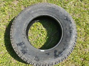 LT225 / 75R16 Motomaster  1 x Truck Tire Only