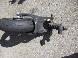 2000-2003 suzuki gsxr-750 comp. rear end London Ontario image 2