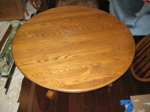 Beautiful Round Solid Oak Coffee Table