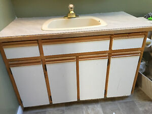 Bathroom vanity 46""