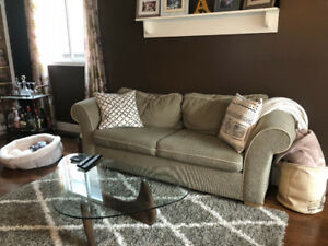 Couch & Chair set. Great condition!